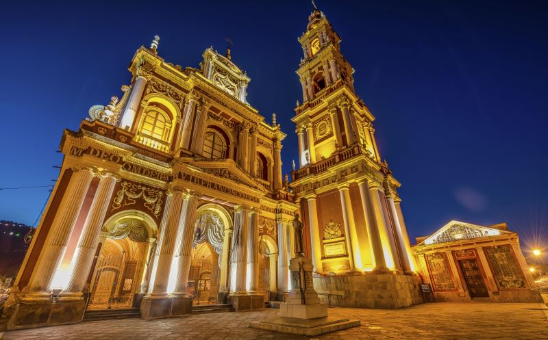 Tours in Salta visit the lovely San Francisco church in the historic center