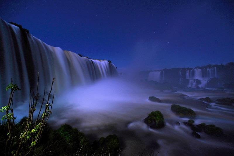iguazu-by-night